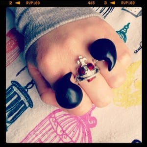 Our new DIY: punktuation rings!