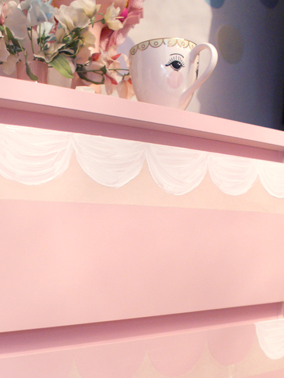 How to make scallop drawers creative home inspiration ideas ikea hack furniture update upcycle recycle modern touch indie bedroom studio apartment diy tutorial pretty cute stylish kawaii easy simple effective updates renew paint customise dresser fun