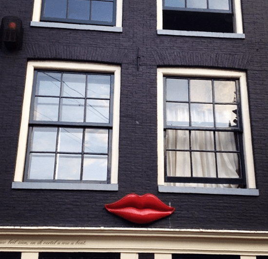 lips signage amsterdam vintage retro pin up sign
