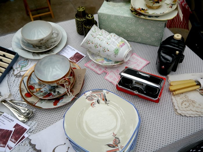 vintage teacups binoculars kodak camera valadon1923 vintage fair glasgow
