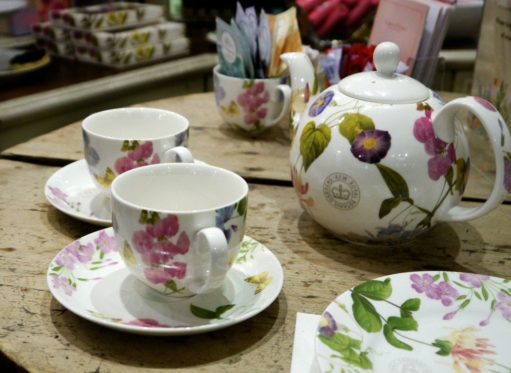 tea and scones at crabtree and evelyn garden celebration party review gift ideas