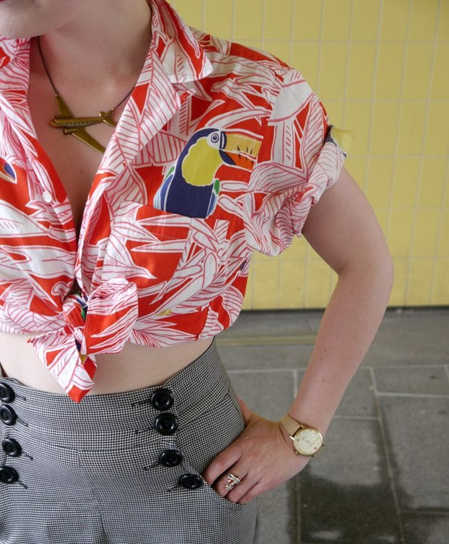 hawaiian shirt with toucans vintage style fashion blogger