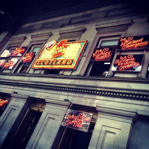 scotland neon signs glasgow modern art gallery 2015